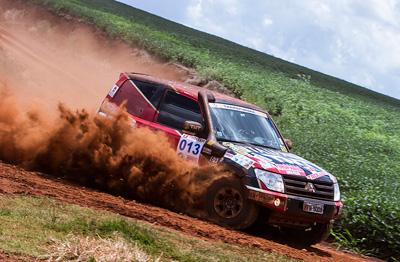 Niterói Rally Team acerta entrosamento da equipe na primeira etapa do Transparaná 2014