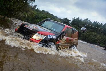 Travessia em rio de 100 metros de largura - Foto: Luciano Santos/SigCom