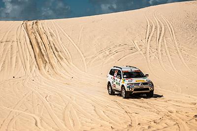 Dunas desafiaram os competidores - Foto: Ricardo Leizer/Mitsubishi
