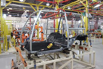 """"""". A sua estrutura tubular metálica é soldada por robôs, o que garante mais qualidade na montagem e estabilidade dimensional do veículo - Foto: Mais Off Road"""