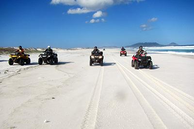 Aventura com quadris e UTV explora o litoral fluminense Crédito: Divulgação/Quadricenter