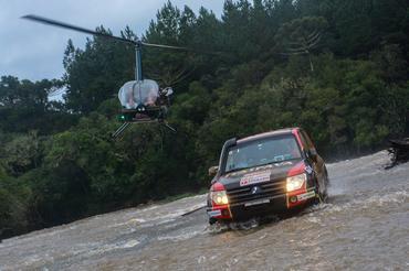A lama apimentou o rali - Foto: Doni Castilho/DFotos
