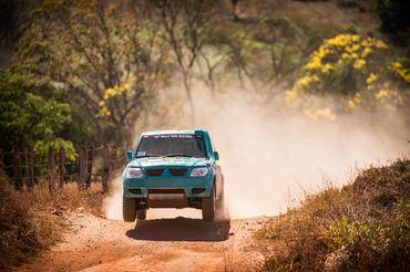 Dupla está com novo carro uma Mitsbushi TR4 ER - Foto: Victor Eleutério/Webventure
