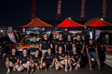 Rodrigo/Bianchini e Michel/Borries e toda a equipe MEM no parque de apoio - Foto: Victor Eleutério/Webventure