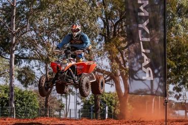 Alain e Jérémy Dubois, pai e filho, participam do Campeonato Brasileiro de Rally Baja nas categorias Quadriciclos e UTV Experimental