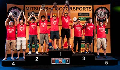 No fim da etapa, os melhores sobem ao pódio - Foto: Ricardo Leizer/Mitsubishi