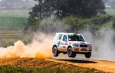 Na categoria Pajero TR4 R, Thiago Rizzo e Carlos Piacenitini foram os campeões - Foto: Tom Papp/ Mitsubishi