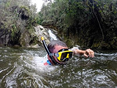 Competidores tiveram que entrar na água em uma das tarefas - Foto:  Tom Papp / Mitsubishi