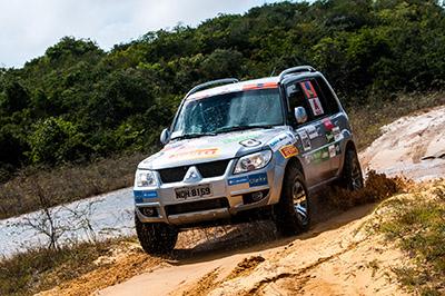 Participantes colocaram os 4x4 à prova - Foto: Ricardo Leizer/Mitsubishi