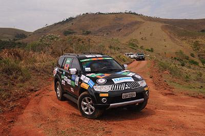 Serras desafiaram os 4x4 e empolgaram os participantes - Foto: David Santos Jr/Mitsubishi