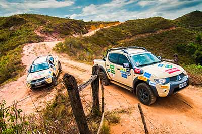 Equipes do Mitsubishi Outdoor são formadas por dois carros - Foto: Cadu Rolim/Mitsubishi