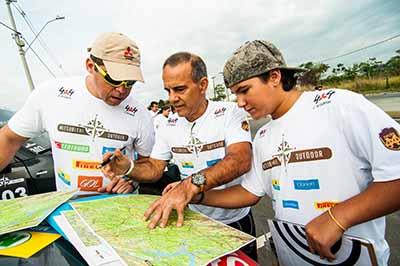 Com o mapa, equipes traçam a melhor estratégia para cumprir as atividades - Foto: Cadu Rolim/Mitsubishi