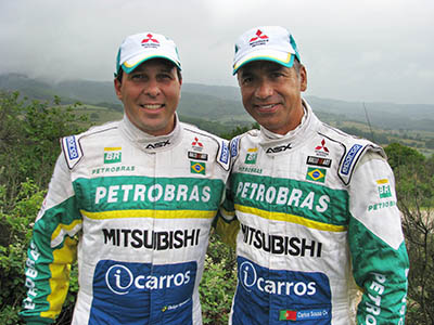 Guiga Spinelli e Carlos Sousa: os pilotos da equipe - Foto:  Divulgação/Mitsubishi
