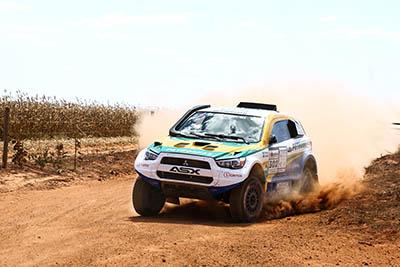 Competição no Atacama será treino para o Rally Dakar, em janeiro - Foto: Magnus Torquato / Mitsubishi