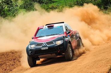 Dupla durante o Rally Serra Azul neste fim de semana - Foto:  Doni Castilho/Dfotos