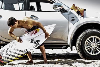 Adriano de Souza é um dos melhores surfistas do mundo - Foto:  Pablo Vaz / Mitsubishi