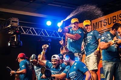 No final da etapa, os melhores de cada categoria sobem ao pódio - Foto: Cadu Rolim / Mitsubishi