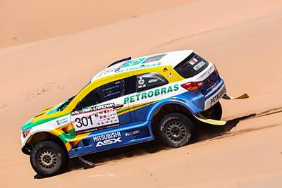 Guiga Spinelli e Youssef Haddad encaram dunas na 2ª especial - Foto:  Magnus Torquato/Mitsubishi