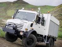 O ponto mais forte do Unimog U 4000 são os seus eixos portantes e sua alta capacidade de torção
