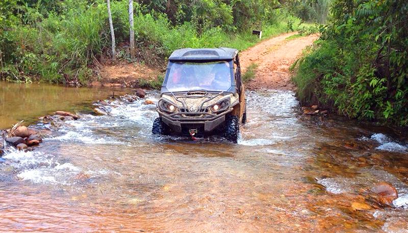 Equipe Can-Am durante o levantamento da trilha na Chapada dos Guimarães, Mato Grosso - Foto: Divulgação/Can-Am Adventure Tours