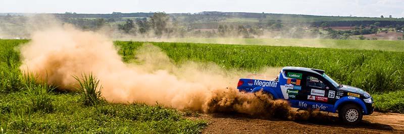 Lucas e Kaique são campeões na L200 Triton SR - Foto:  Tom Papp / Mitsubishi