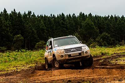 Os legítimos 4x4 serão colocados à prova - Foto:  Ricardo Leizer/Mitsubishi