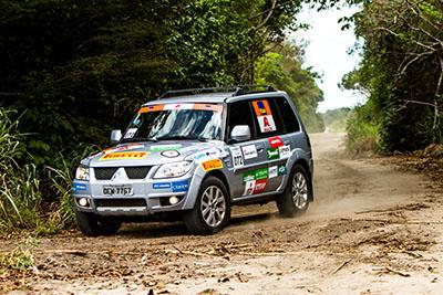 Os legítimos 4x4 da Mitsubishi desbravaram as trilhas da região - Foto:  Ricardo Leizer/Mitsubishi