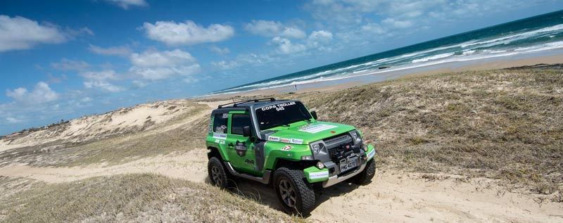 Diferentes tipos de trilhas em áreas de caatinga, cascalho e lama, além das famosas dunas deram muita adrenalina aos competidores - Foto: Doni Castilho