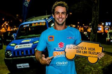 O kitesurfita Guilly Brandão