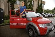 Mitsubishi Motors presenteou Gabriel Medina com uma L200 Triton Savana - Foto:  Diogo Ribeiro / Mitsubishi