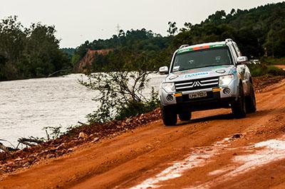 Trilhas desafiam os participantes e seus Mitsubishi - Foto:  Ricardo Leizer/Mitsubishi