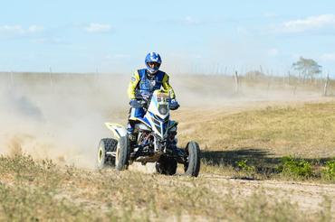 Piloto Tom Rosa foi o mais rápido entre os quadris  - Foto:  Ney Evangelista/DFOTOS
