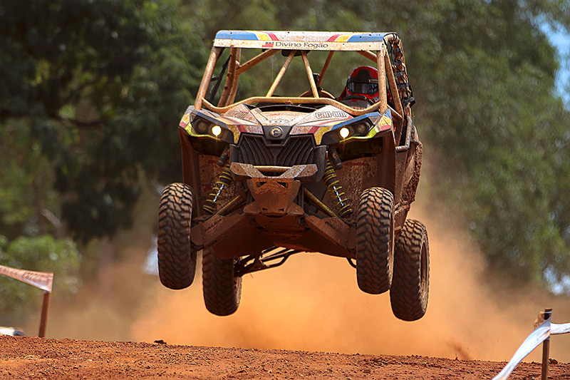 Rodrigo Varela a bordo do Can-Am Maverick Xds Turbo no Rally Barretos 2015 - Foto: Luciano Santos/DFotos