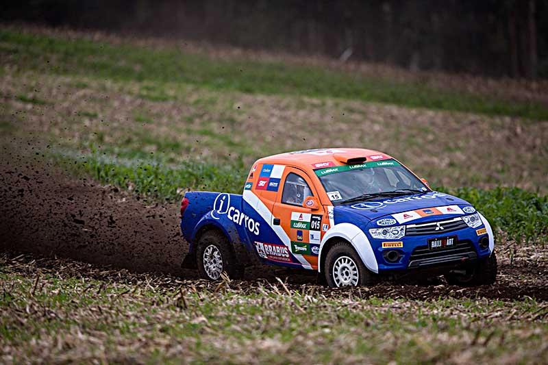 Foram realizadas três provas de aproximadamente 32 km - Foto:  Tom Papp / Mitsubishi