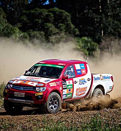 Albano Parente Jr e João Gilberto Ferreira venceram na L200 Triton ER - Foto:  Tom Papp / Mitsubishi