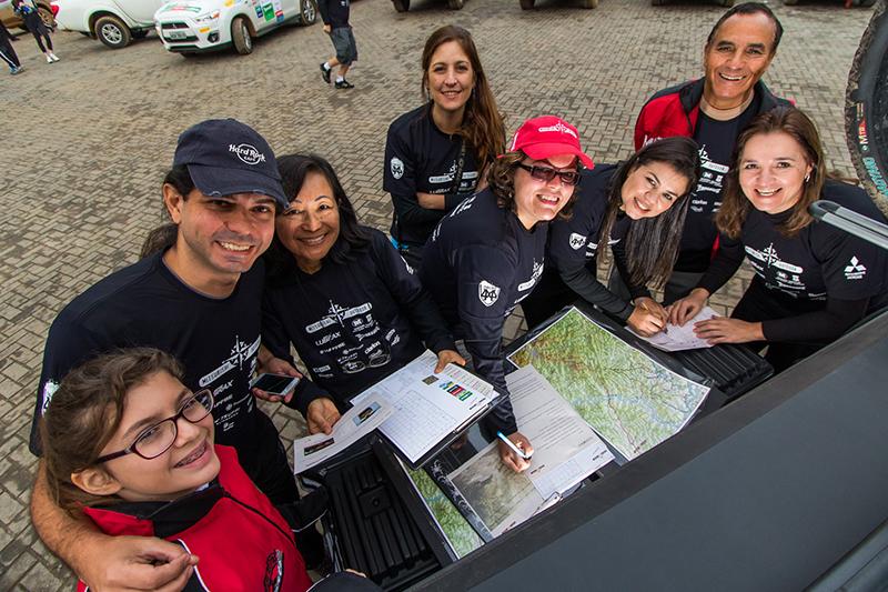 Amigos e famílias se reuniram para um sábado de aventura e diversão - Foto: Cadu Rolim/Mitsubishi