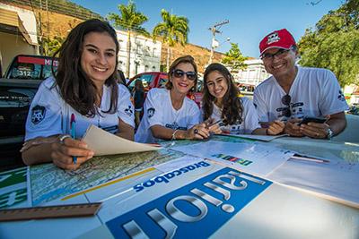 Equipes se reúnem para definir a estratégia antes da largada Foto: Cadu Rolim/Fotovelocidade