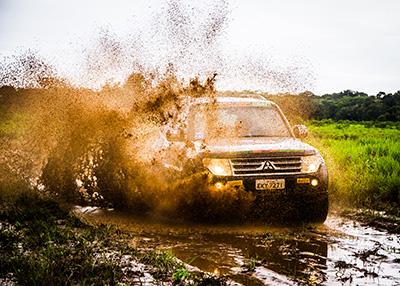 Etapa teve muita água e lama - Foto:  Adriano Carrapato / Mitsubishi