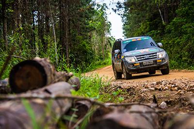 Mitsubishi Motorsports reúne os modelos Pajero e L200 - Foto: Cadu Rolim/Fotovelocidade