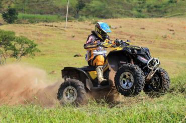 Quadriciclo Can-Am Renegade (Idário Café/Mundo Press)