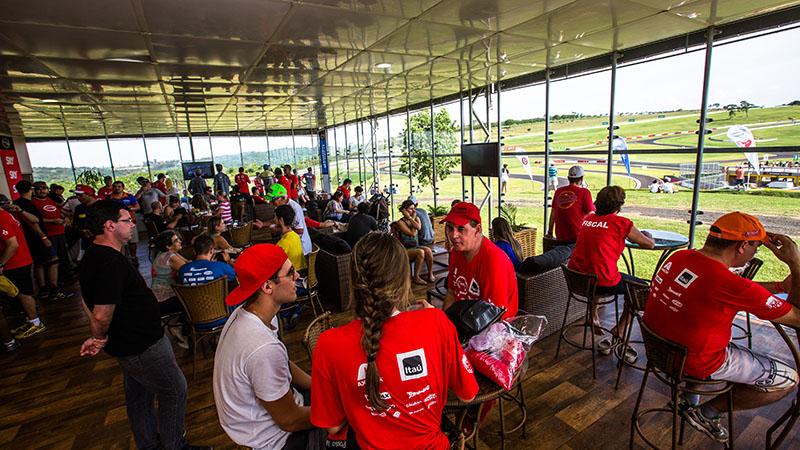 Participantes poderão desfrutar de toda a estrutura do Velo Città - Foto:  Tom Papp/ Mitsubishi