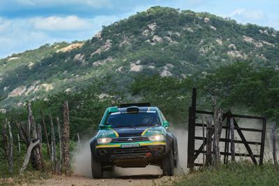 A etapa deste sábado teve uma especial de 111 km e manteve-se em Currais Novos  (Doni Castilho/DFOTOS)