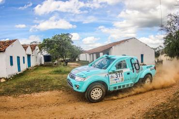 Carro #311 de Fontoura/Minae partem para Natal neste domingo - Foto:  Sanderson Pereira/Photo-S