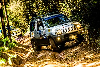 Muito off-road pelas trilhas de Curitiba (PR) - Foto: Ricardo Leizer