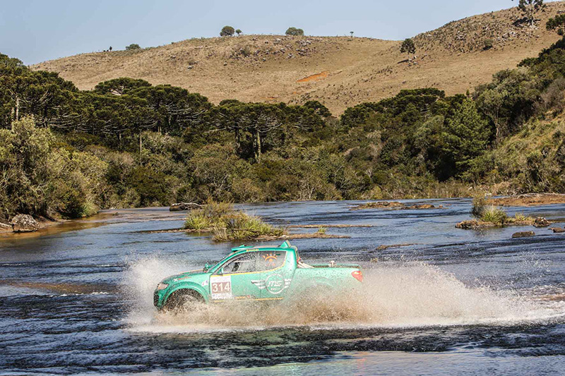 O percurso teve um total de 440 quilômetros e apresentou obstáculos bem duros  (Sanderson Pereira/Photo-S Imagens)