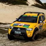 Participantes curtem desafio na areia durante etapa de Fortaleza (CE) do Mitsubishi Motorsports