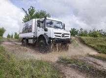 Mercedes-Benz Unimog comemora 70 anos de história e  reafirma sua versatilidade para operações de transporte