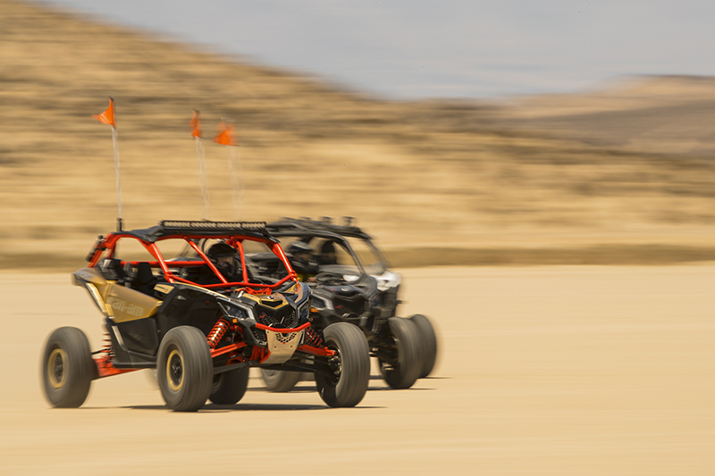 x_maverick-x3-xrs-turbo-r-gold-and-can-am-red-desert-group-riding-1