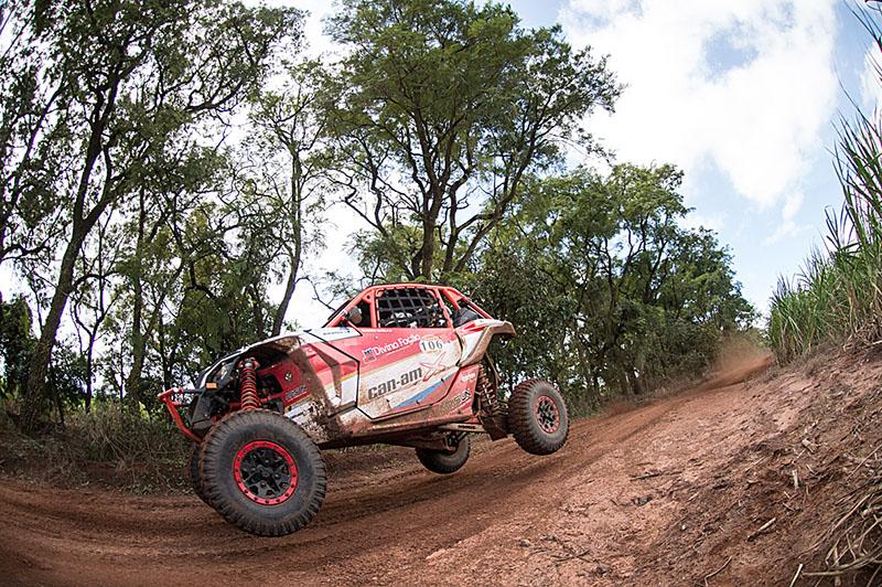 Rodrigo Varela chegou a liderar o Rally Cuesta Off-Road (Foto: Gustavo Epifanio/DFotos)