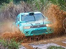 Fontoura está satisfeito com a evolução do carro (Mitsubishi L200 Triton SR)  (Doni Castilho/DFotos)